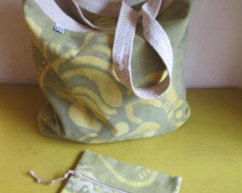 Cabas réversible doublé et sa pochette assortie - Tissus recyclés et Batik artisanal issu du Commerce Equitable